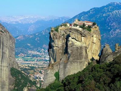 Монастыри Метеоры – жизнь между небом и землёй