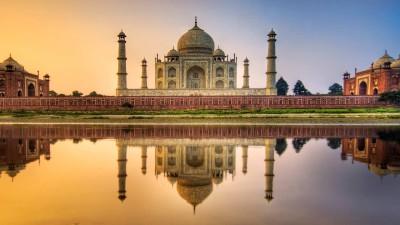 Тадж-Махал – одна из самых известных достопримечательностей Индии